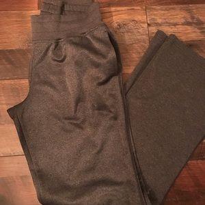Women's UnderArmour storm sweatpants!